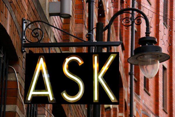 uithangbord met het woord 'ask'